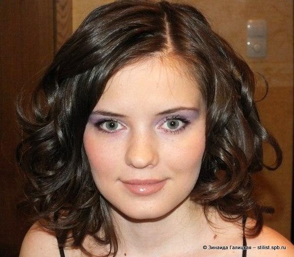 Вечерняя укладка волос и макияж